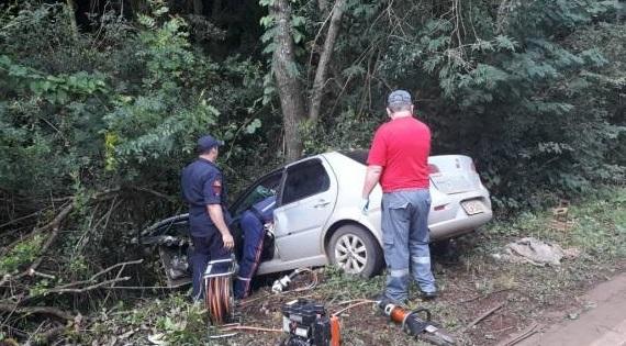 698ba07cebd5 Casal fica ferido em acidente de trânsito em Três de Maio – RPI ...