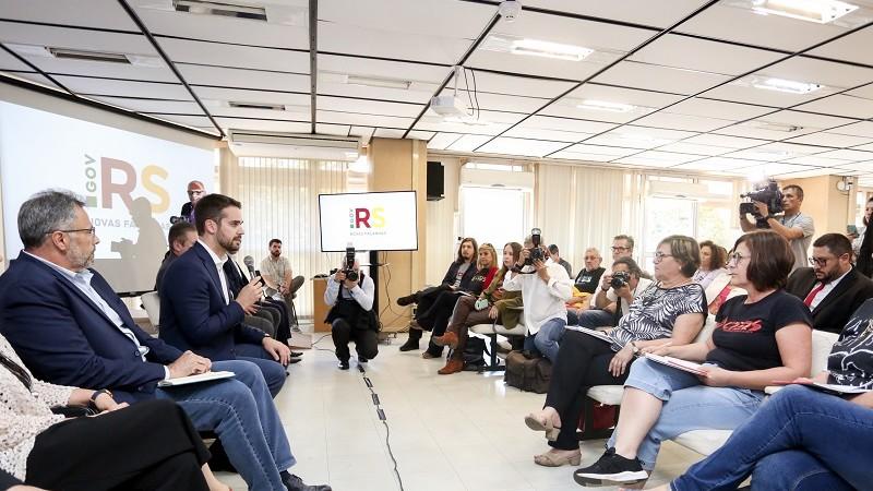 Resultado de imagem para Após reunião com governador, presidente do Cpers sai preocupada e promete greve contra perda de direitos